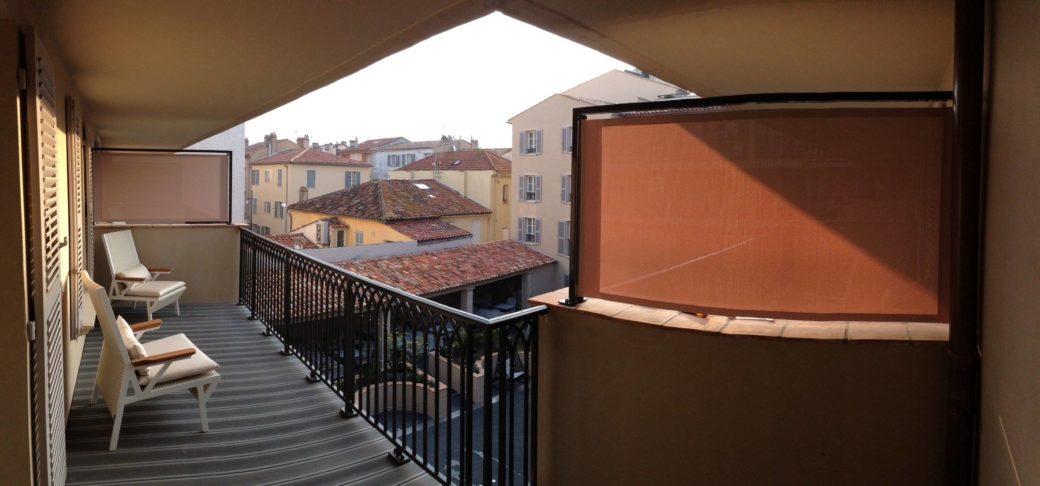 Protection solaire extérieure hôtel-de-paris-saint-tropez-brise-vue